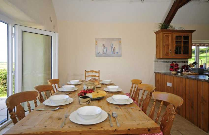 Pet friendly Aberdaron holiday house - dining