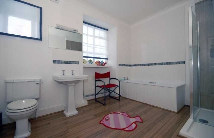 New Quay holiday home - 1st floor family bathroom with walk in double shower