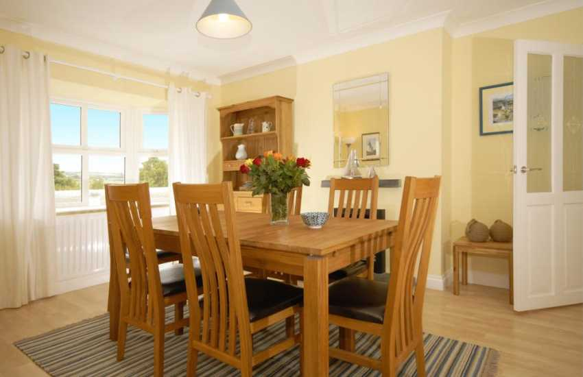 House for rent on the North Pembrokeshire Coast - dining area