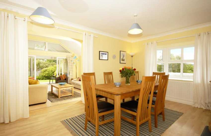 House for holidays on the North Pembrokeshire Coast with open plan living space