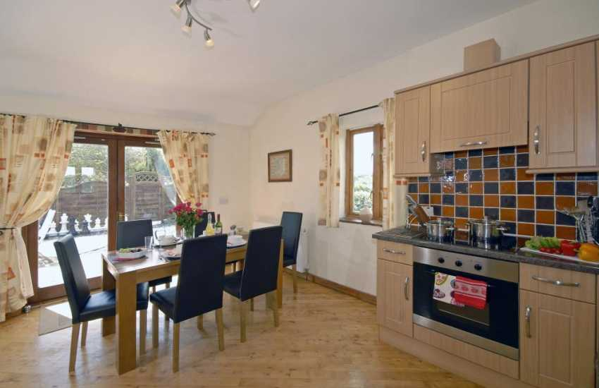 Pembrokeshire self catering cottage with open plan kitchen/dining area