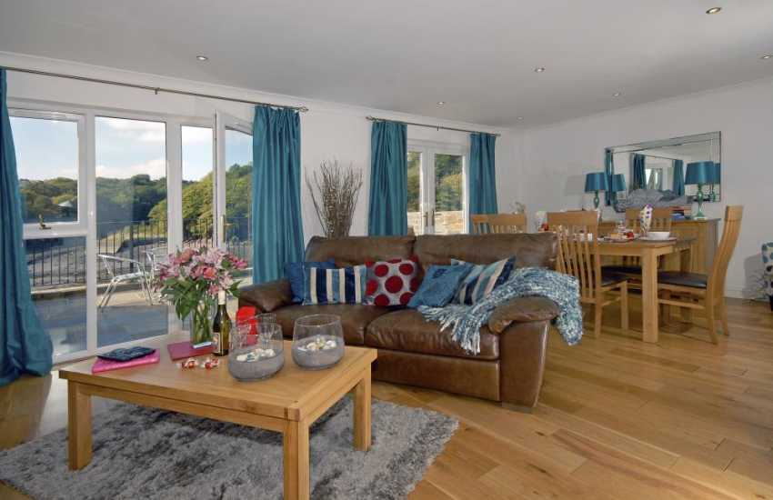 Pembrokeshire Haven Waterway luxury holiday home with open plan living area