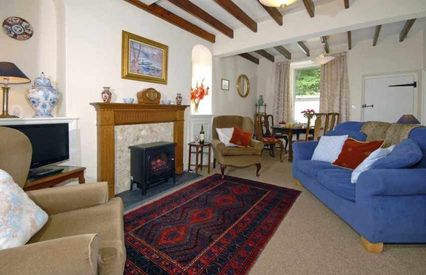 Newport, Pembs holiday cottage - open plan lounge/diner