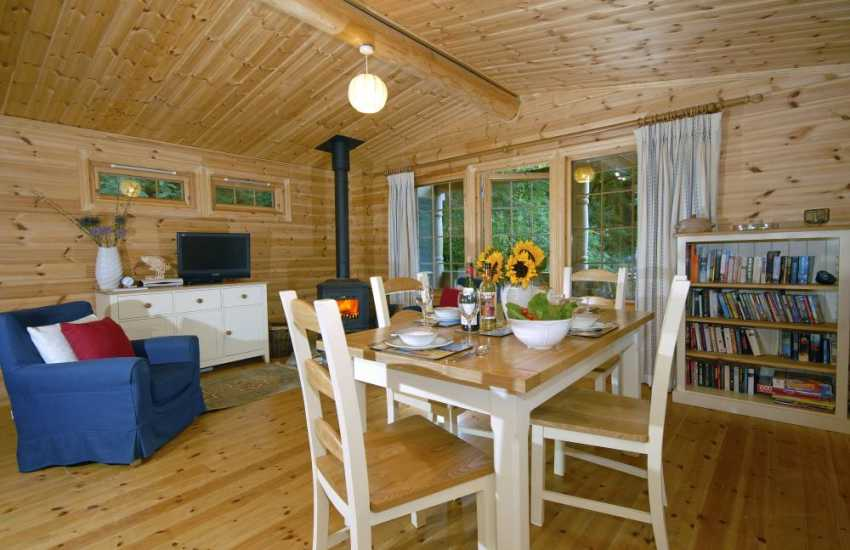 Self catering Pembrokeshire wooden chalet - open plan dining area
