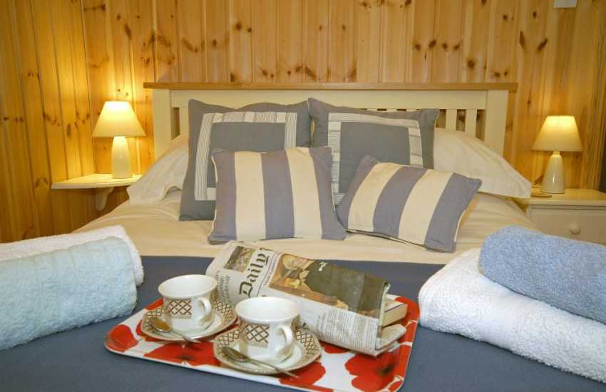 Newport cosy log cabin sleeps 4