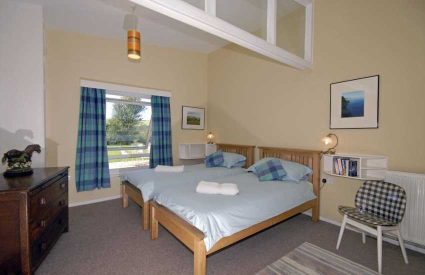 Newgale Sands coastal cottage sleeping 6 - twin
