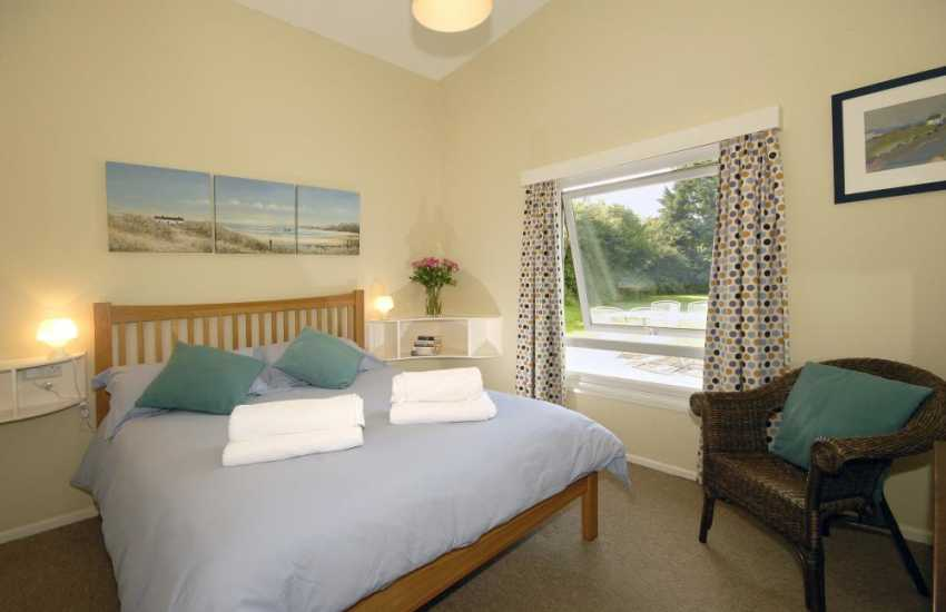 Nolton Haven Pembrokeshire - holiday house sleeps 6 - double