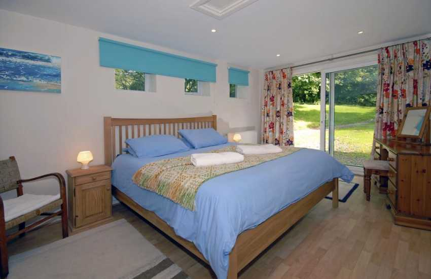 North Pembrokeshire cottage - lower ground floor super king size master bedroom