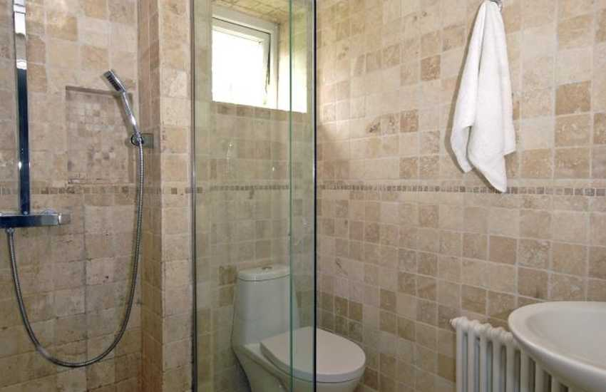 Pembrokeshire holiday home - lower ground floor shower