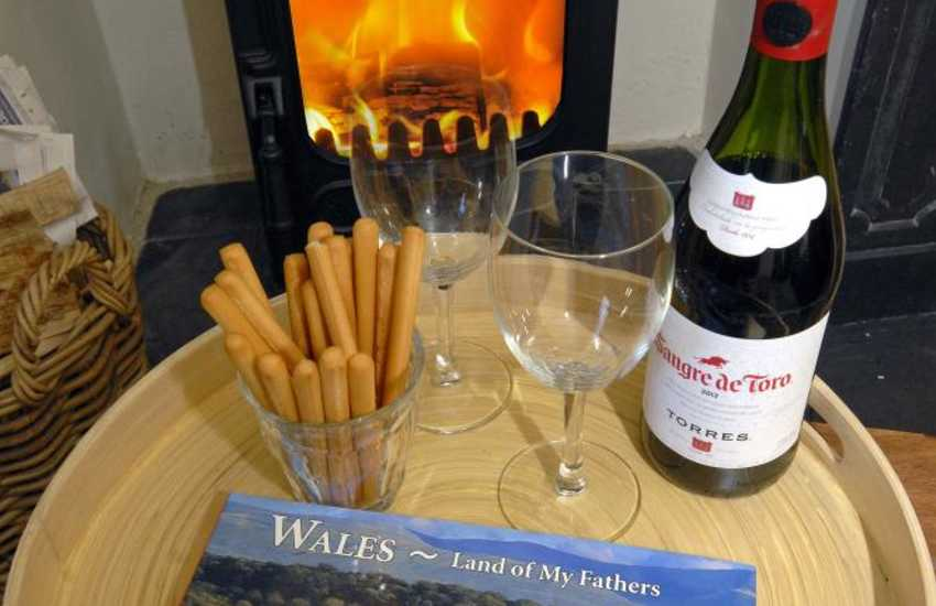 Wdig Farmhouse near Whitesands and St Davids - warm and cosy throughout the year