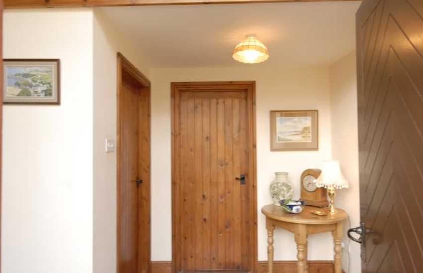 Holiday cottage with sea views - Hall