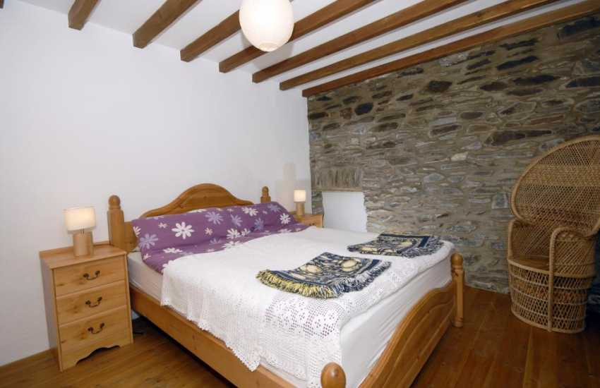 North Pembrokeshire holiday cottage master bedroom