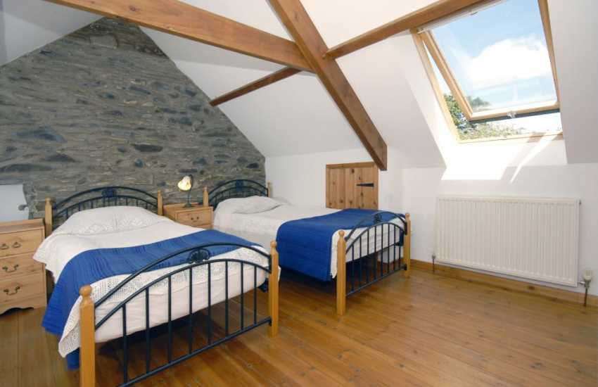North Pembrokeshire holiday cottage sleeping 4 - 1st floor twin