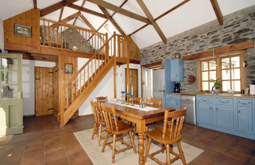 Self-catering holiday cottage in Mathry - spacious kitchen dining area