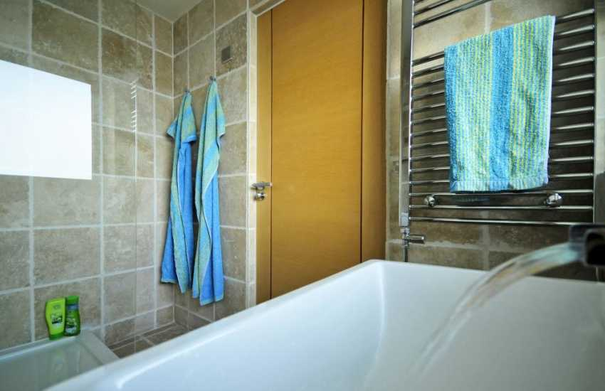 Menai Strait holiday house - en suite
