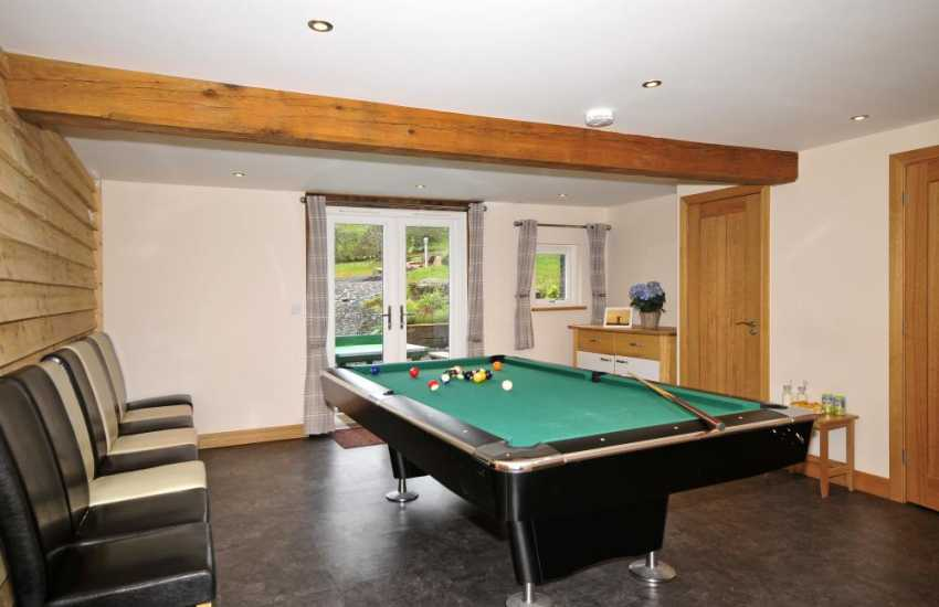 Wedding venue Wales sleeping 25 - games room