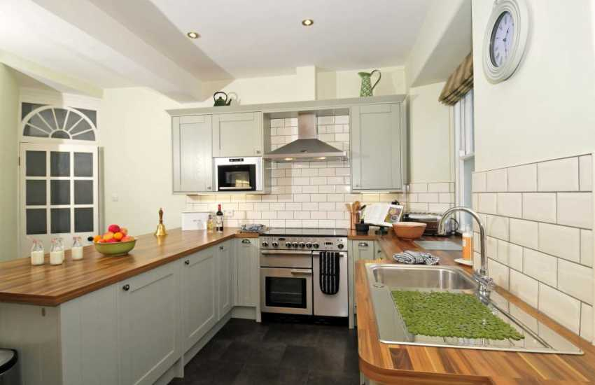 Luxury self catering Wales - kitchen