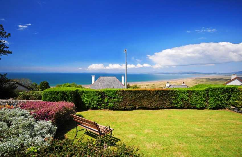 Harlech holiday cottage - sea views