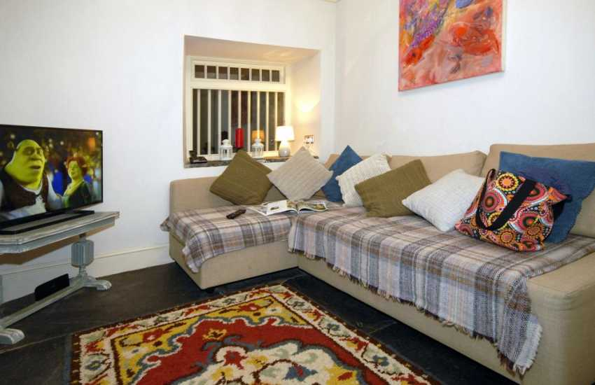 Pembrokeshire coast holiday home - snug with t.v and children's games