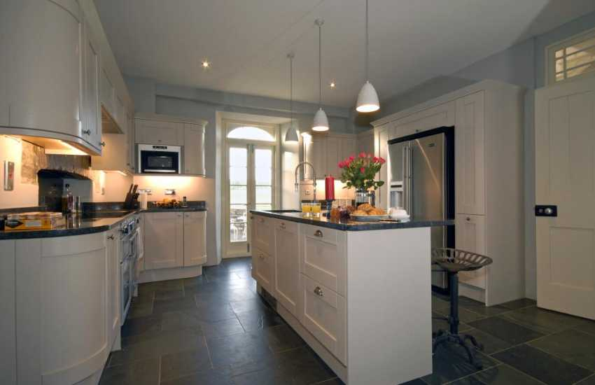 Self-catering farmhouse near St Davids - luxury fitted kitchen with American fridge, drinks fridge and granite worktops