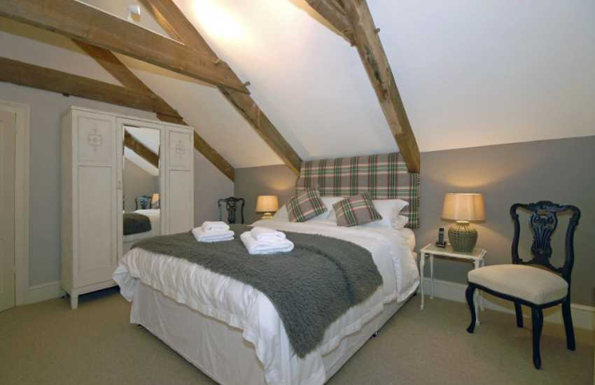 Restored North Pembrokeshire holiday home – king size bedroom with en-suite bathroom