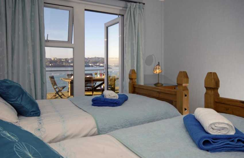 Pembrokeshire waterside holiday home - twin with Haven views