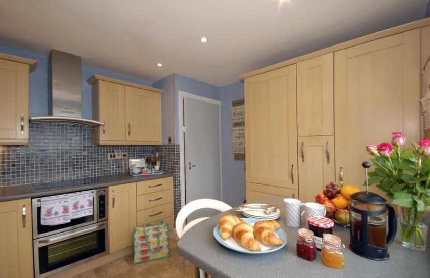 Self catering Pembrokeshire - modern kitchen with river views