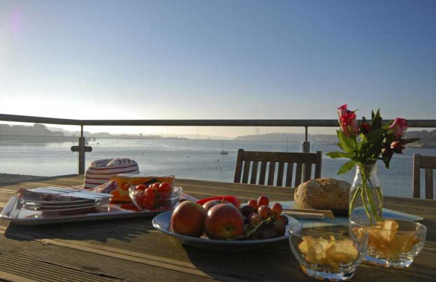 Relax with family and friends at Beach Croft on The Haven Waterway, Pembrokeshire