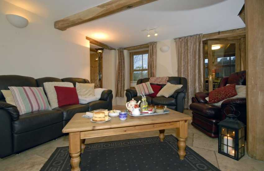 Pet friendly Pembrokeshire holiday cottage - comfortable sitting room