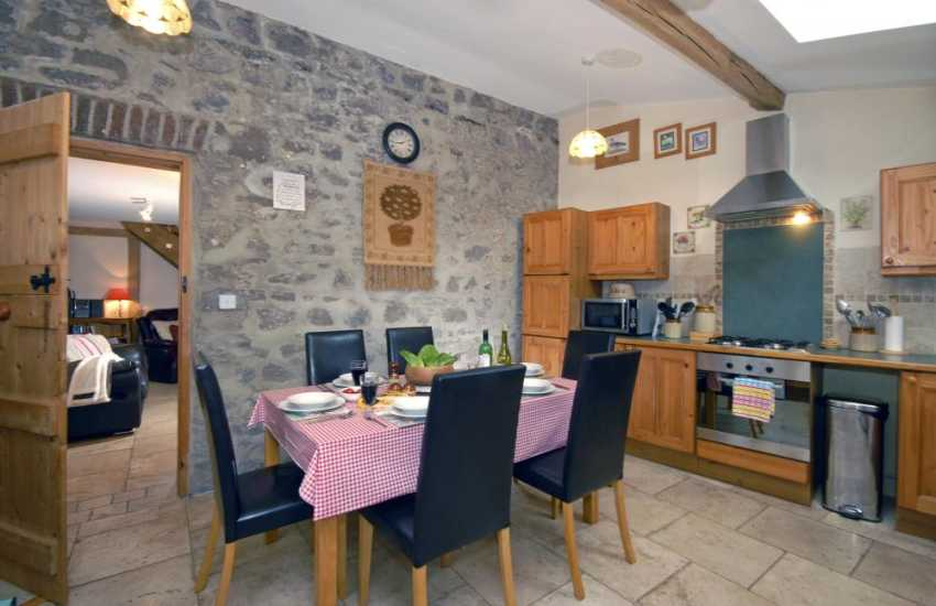 Self-catering in Pembroke town - spacious kitchen/diner