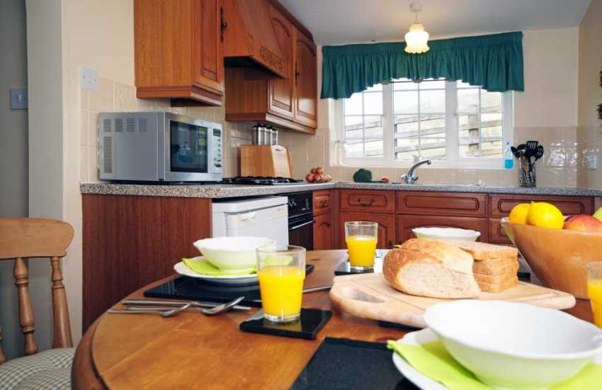 mid Wales rural holiday cottage- kitchen