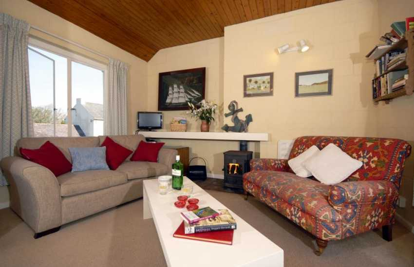 Holiday house in The Pembrokeshire Coastal National Park - lounge with wood burning stove