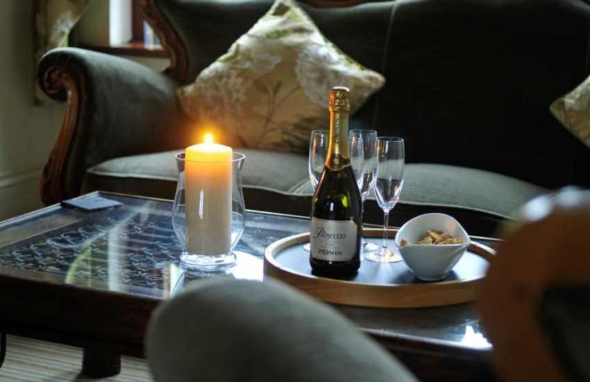 Bangor holiday house-sitting room mood