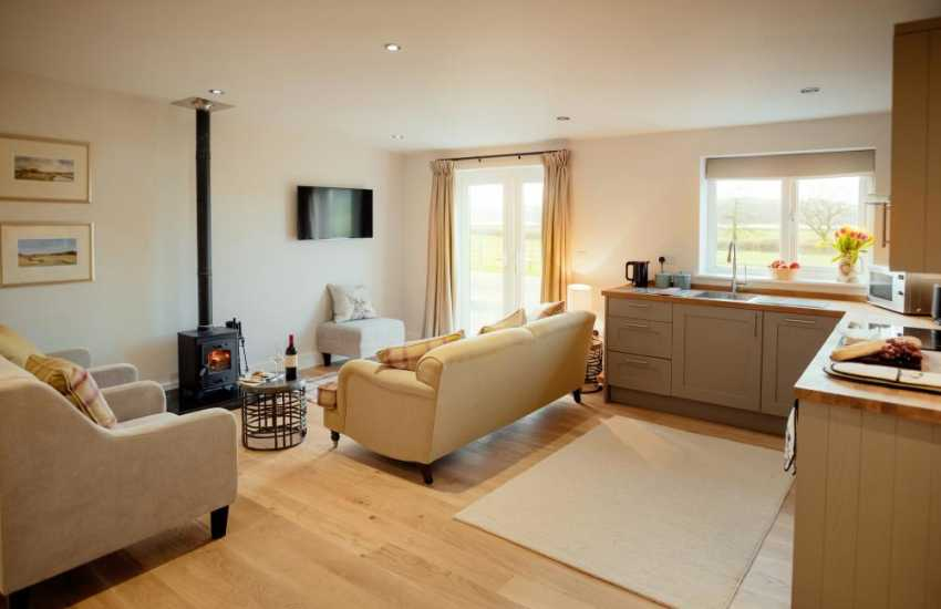 Tywi Estuary cottage holiday-open plan lounge