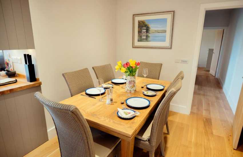 Laurgharne near by holiday cottage-dining area