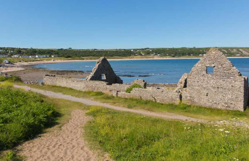 Port Eynon was a favoured location for salt panning during the 16th century. Remains of The Old Salt House can still be seen along the shore