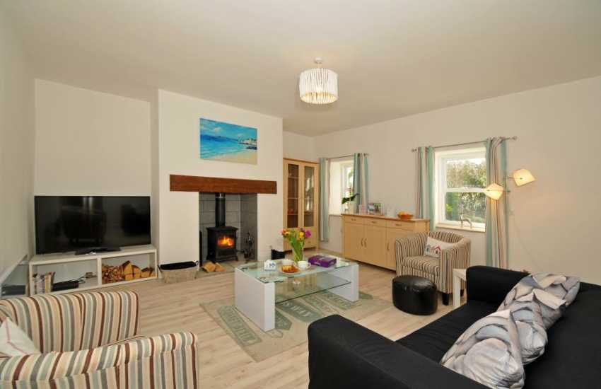 Anglesey holiday cottage with hot tub - lounge