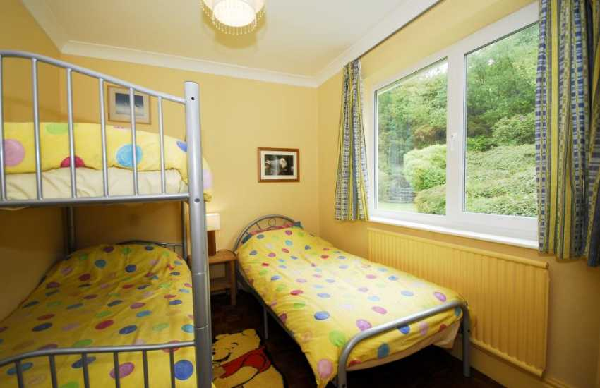 Creigiau'r Nant holiday cottage near Llanddona Anglessey - bedroom