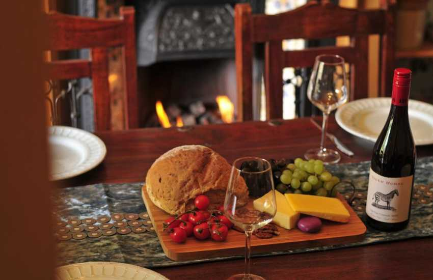 Cottage with hot tub Mid Wales - dining