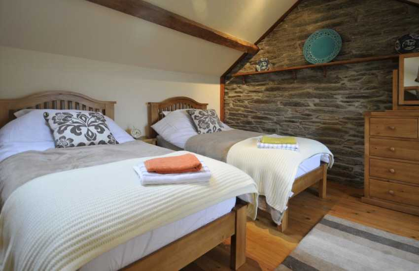 Elan Valley holiday cottage - bedroom