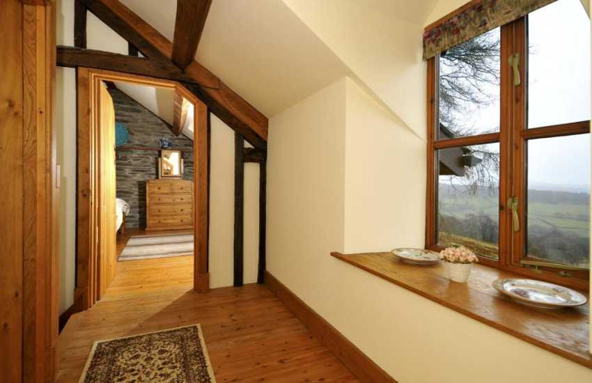 Pet friendly cottage Rhayader - landing
