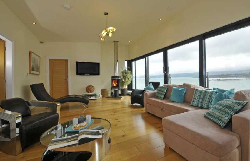 Luxury holiday house with hot tub Anglesey - lounge