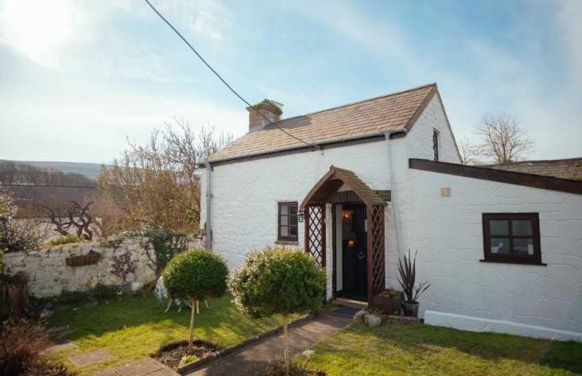 Bakers cottage holiday for two on the Gower - exterior