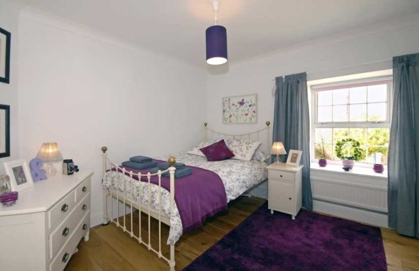 Self catering large Saundersfoot house sleeps 8 adults and 2 children - double