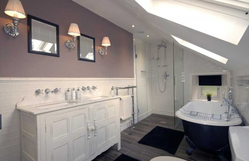 Saundersfoot large holiday home - family luxury shower room with roll top bath