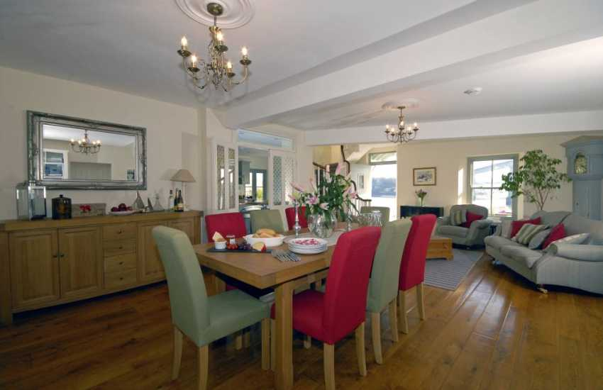 South Pembrokeshire coast luxury holiday house - spacious sitting/dining area