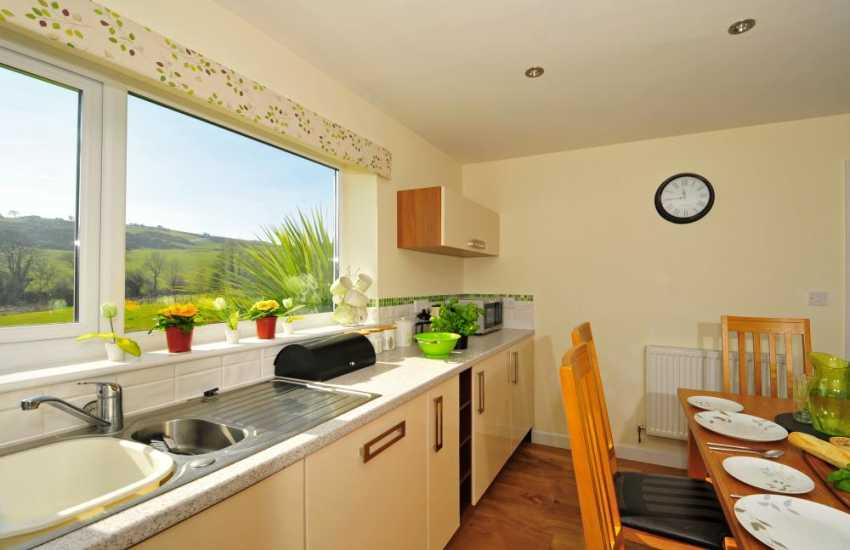 Anglesey holiday cottage - kitchen