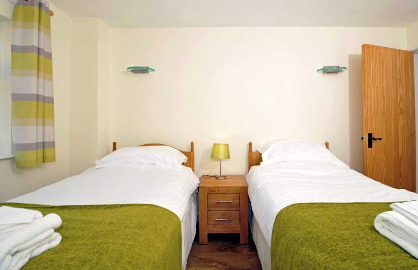 Penmon holiday cottage - bedroom