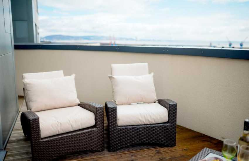 Sea views apartment Swansea marina-terrace