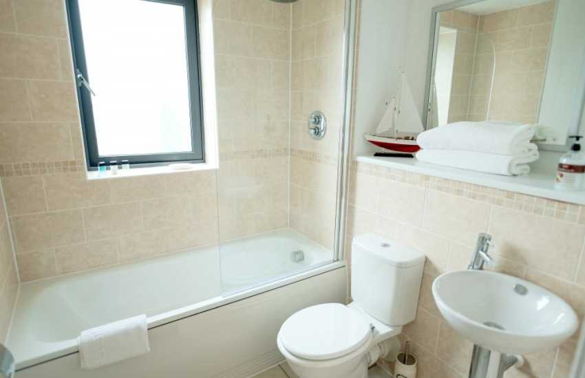 Marina Swansea holiday penthouse apartment sleeps 4
